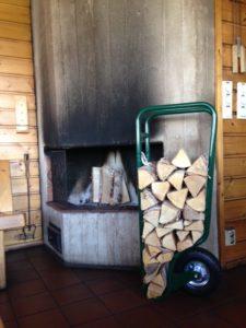 fleimio woodhopper inside the Krapi chimneyless sauna