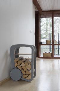 fleimio mini trolley ja polttopuut fleimio pääkonttorilla